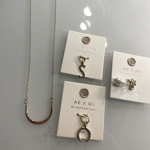 AE Charm necklace & charms NWT